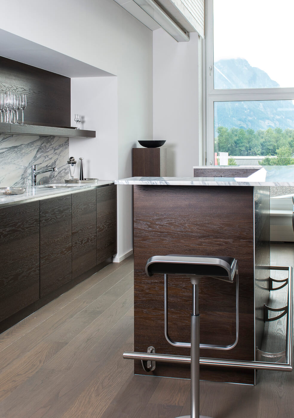 Küchen in Echtholzfurnier oder Massivholz